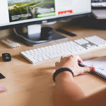 The Right Way to Hire a Web Designer